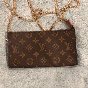 Louis Vuitton Bags - AR0976 Louis Vuitton Bucket GM Pouch/Crossbody